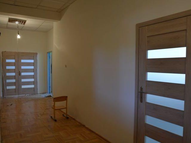 Remont korytarza w przedszkolu w Wiązownie