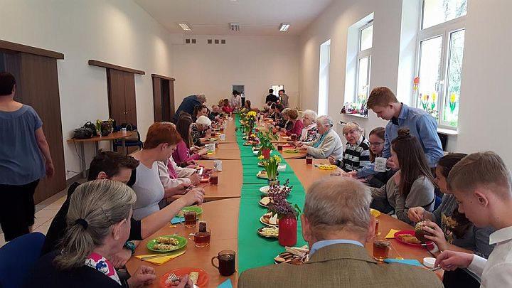 Wolontariusze przygotowali śniadanie dla uczestników Dziennego Domu Senior-WIGOR