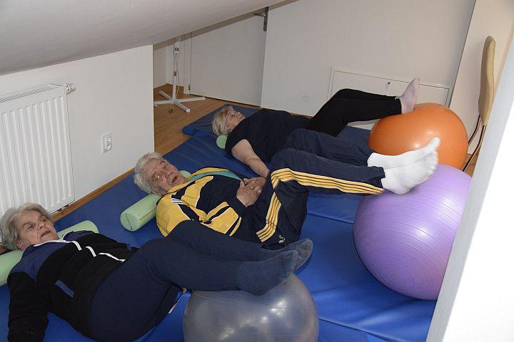 Seniorzy ćwiczą