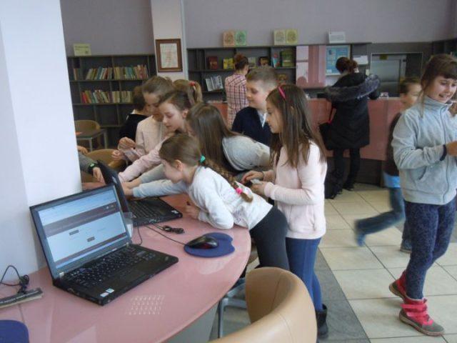 """""""Uczniowie z Zakrętu w Pedagogicznej Bibliotece Wojewódzkiej im. KEN w Warszawie"""""""