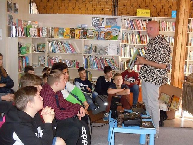 Spotkanie autorskie z Łukaszem Wierzbickim