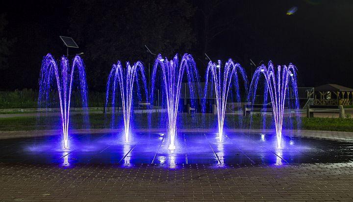 Fontanna w Parku Centrum w Wiązownie