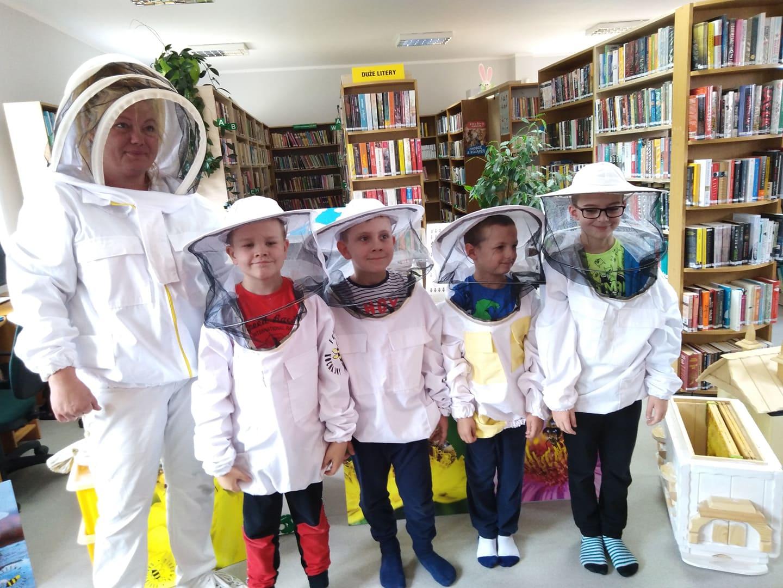 pszczoły_biblioteka_072019