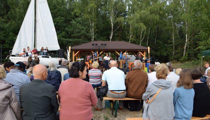 Impreza Szanty nad Laguną. Koncert zespołu Strefa ciszy