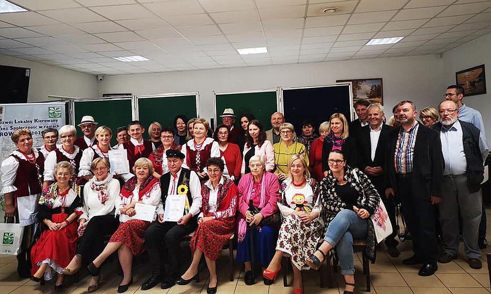 """Konkurs Kulinarny LGD. Nasi seniorzy z DD """"Senior+"""" oraz pozostali uczestnicy konkursu"""