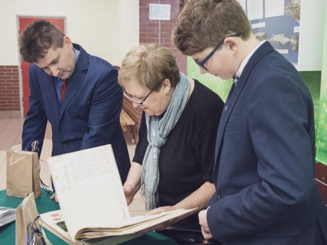 60-lecie Szkoły Podstawowej w Wiązownie. Radna powiatowa Jolanta Koczorowska