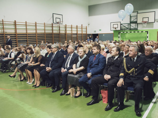 60-lecie Szkoły Podstawowej w Wiązownie. Widownia