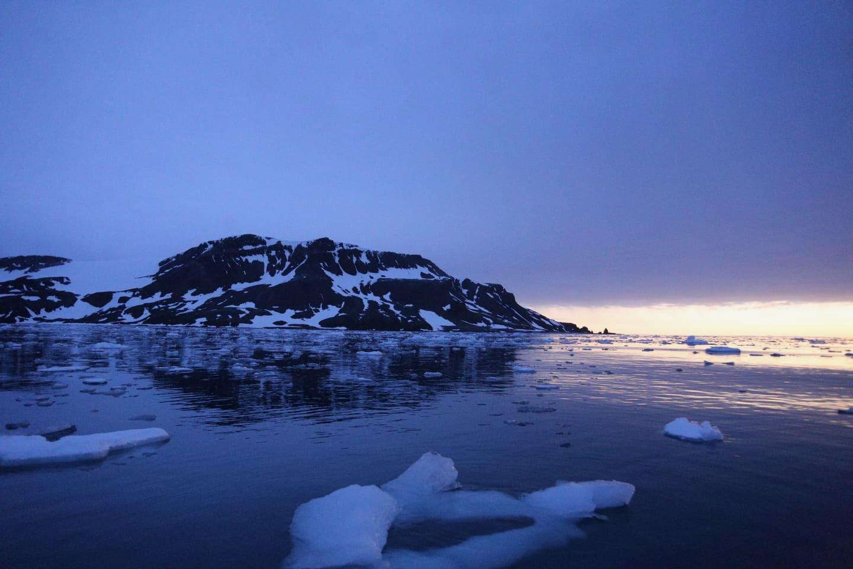 Antarktyda. Wschód słońca
