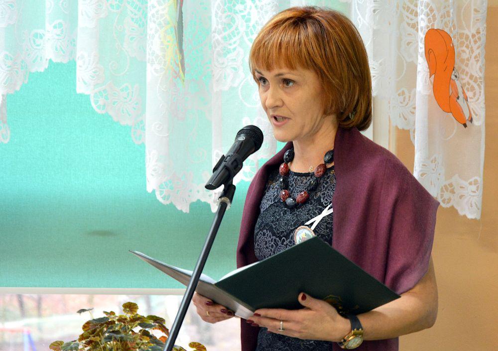 Uroczystość w przedszkolu w Pęclinie. Rocznica nadania imienia. Dyrektor Katarzyna Rostek