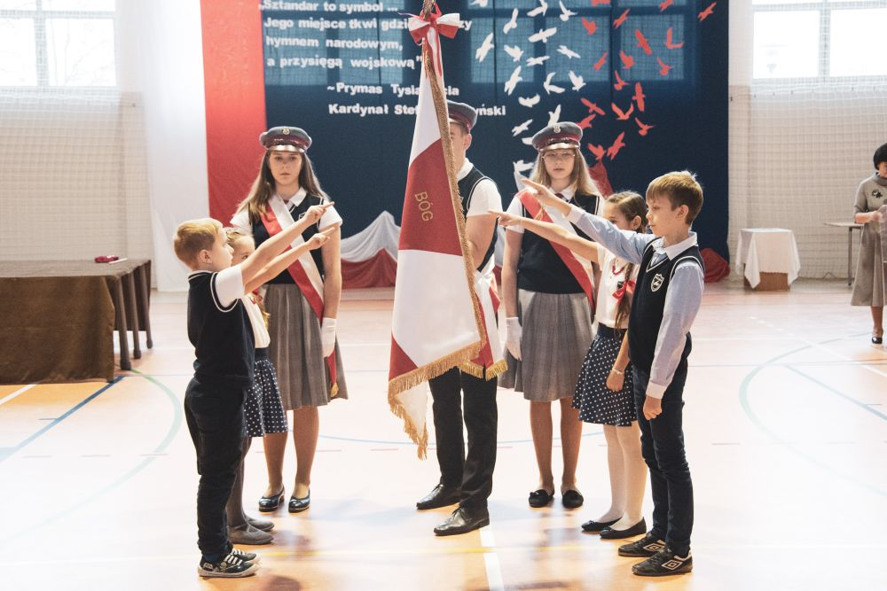Nadanie sztandaru szkole w Malcanowie
