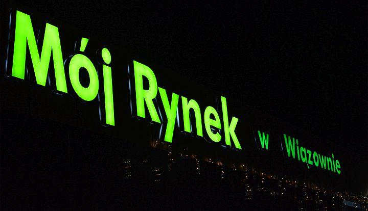 zielony napis Mój Rynek w Wiązownie