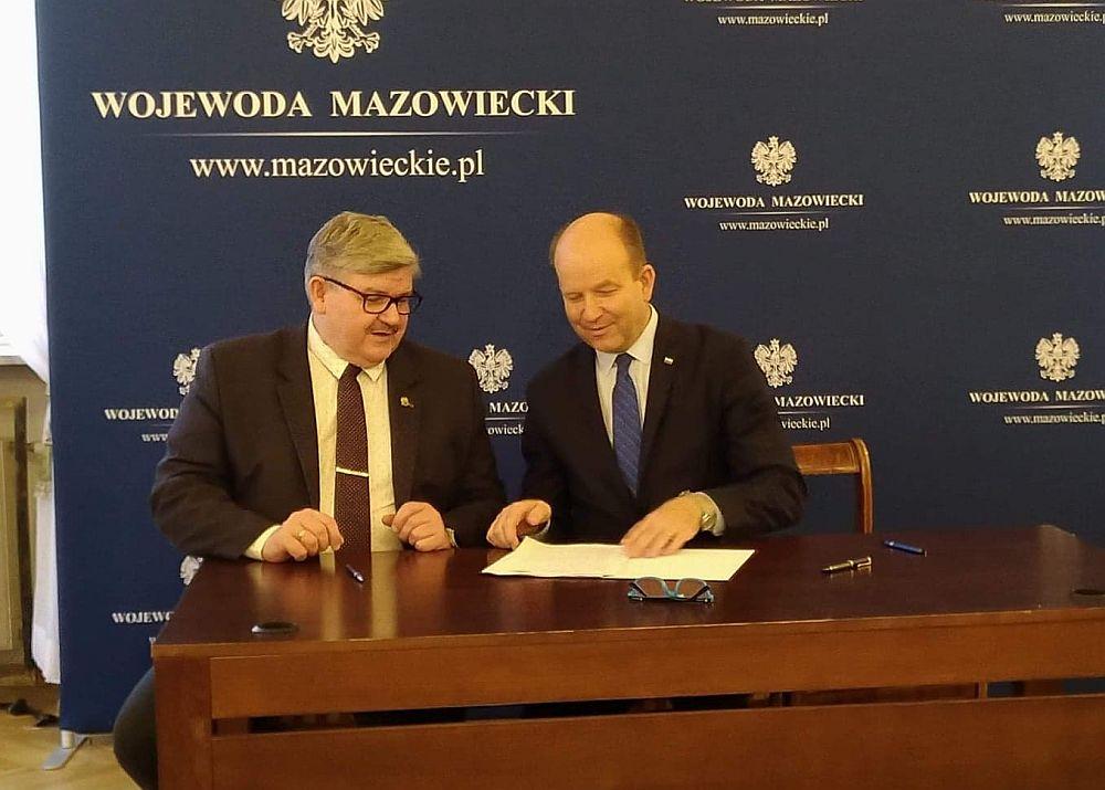 Podpisanie umowy na dotację na budowę ulic Polnej i Brzozowej w Wiązownie