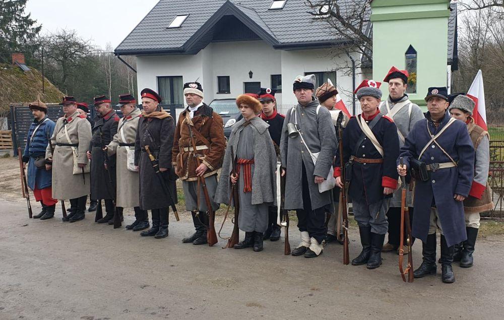 Rocznica bitwy pod Porębami. Grupa reknstrukcyjna