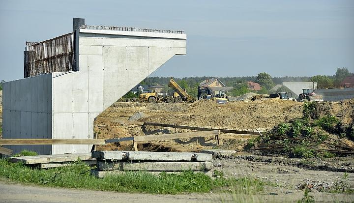 Budowa wiaduktu na drodze krajowej S17 w gminie Wiązowna