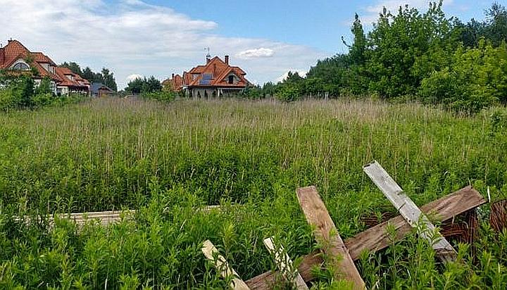 Działka w Duchnowie wystawiona na sprzedaż przez gminę Wiązowna