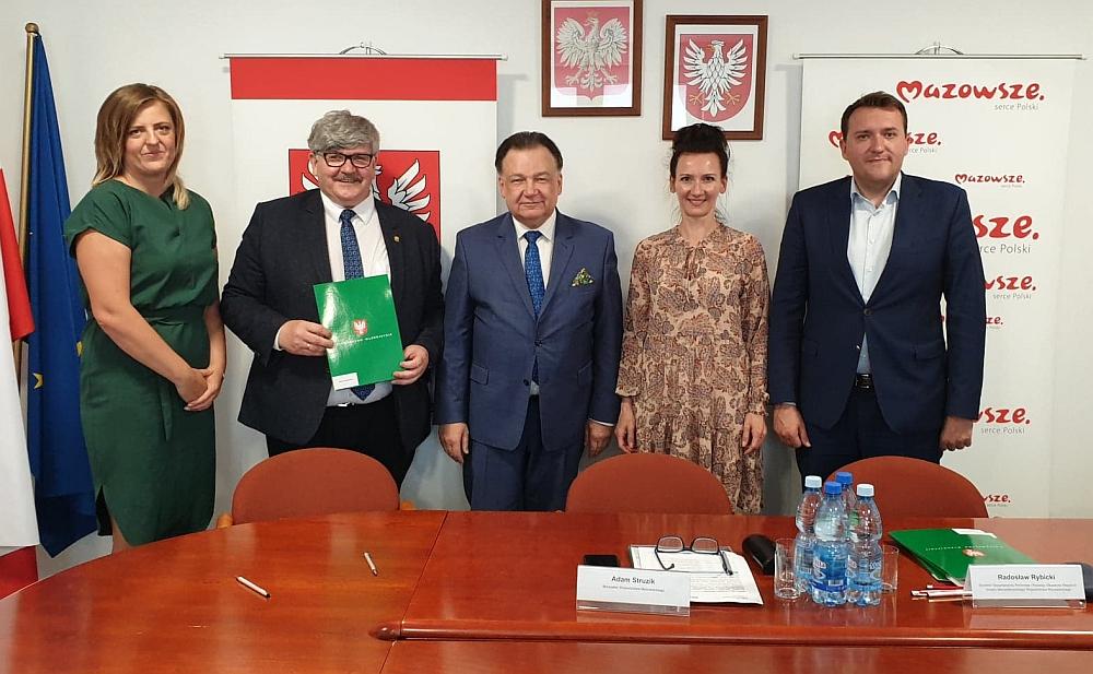 Przebudowa ul. Wspaniałej w Czarnówce i Kruszówcu. Podpisanie umowy na dotację
