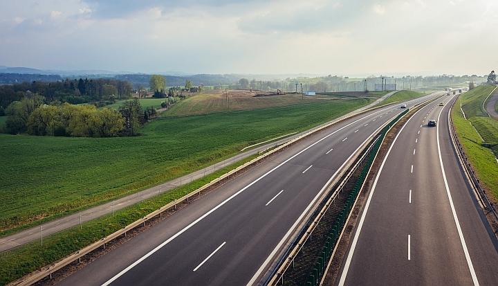 Czteropasmowa autostrada w Polsce