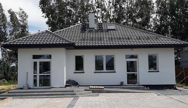 Nowo wybudowany budynek świetlicy w Rzakcie