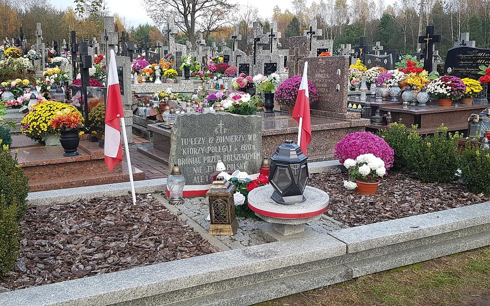 Tablica pamiątkowa na cmentarzu w Gliniance ku czci poległych w 1920 r.
