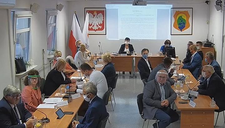 Sesja Rady Gminy Wiązowna odbyła się w reżimie sanitarnym