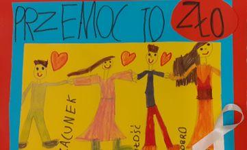 Obrazek narysowany przez dziecko. Cztery postacie trzymające się za ręce. Napis Przemoc to zło
