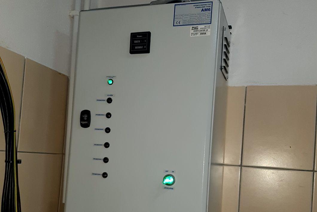 Lampa UV, w której odbywa się proces sterylizacji, nie wpływa na smak i zapach wody