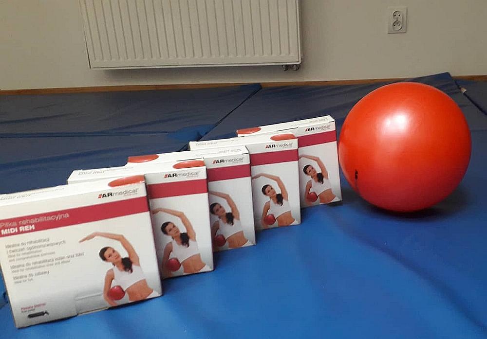 Sprzęt rehabilitacyjny do ćwiczeń dla seniorów