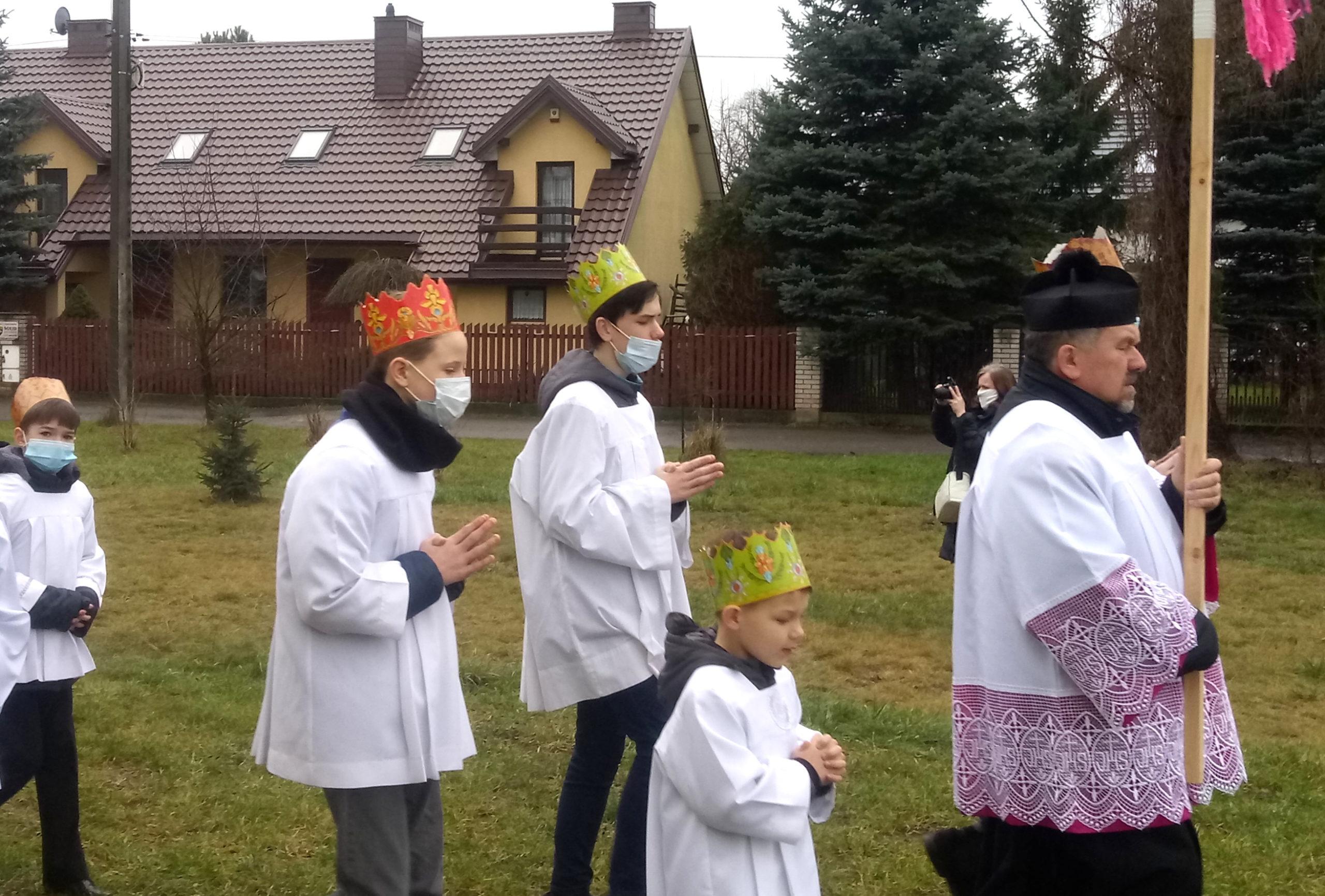 Orszak Trzech Króli tradycyjnie przemaszerował ulicami Zakrętu