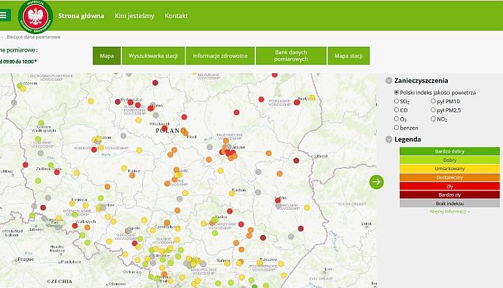 Mapa polski. Na niej zaznaczone kropkami miejsce, gdzie jest najwyższe stężenie smogu