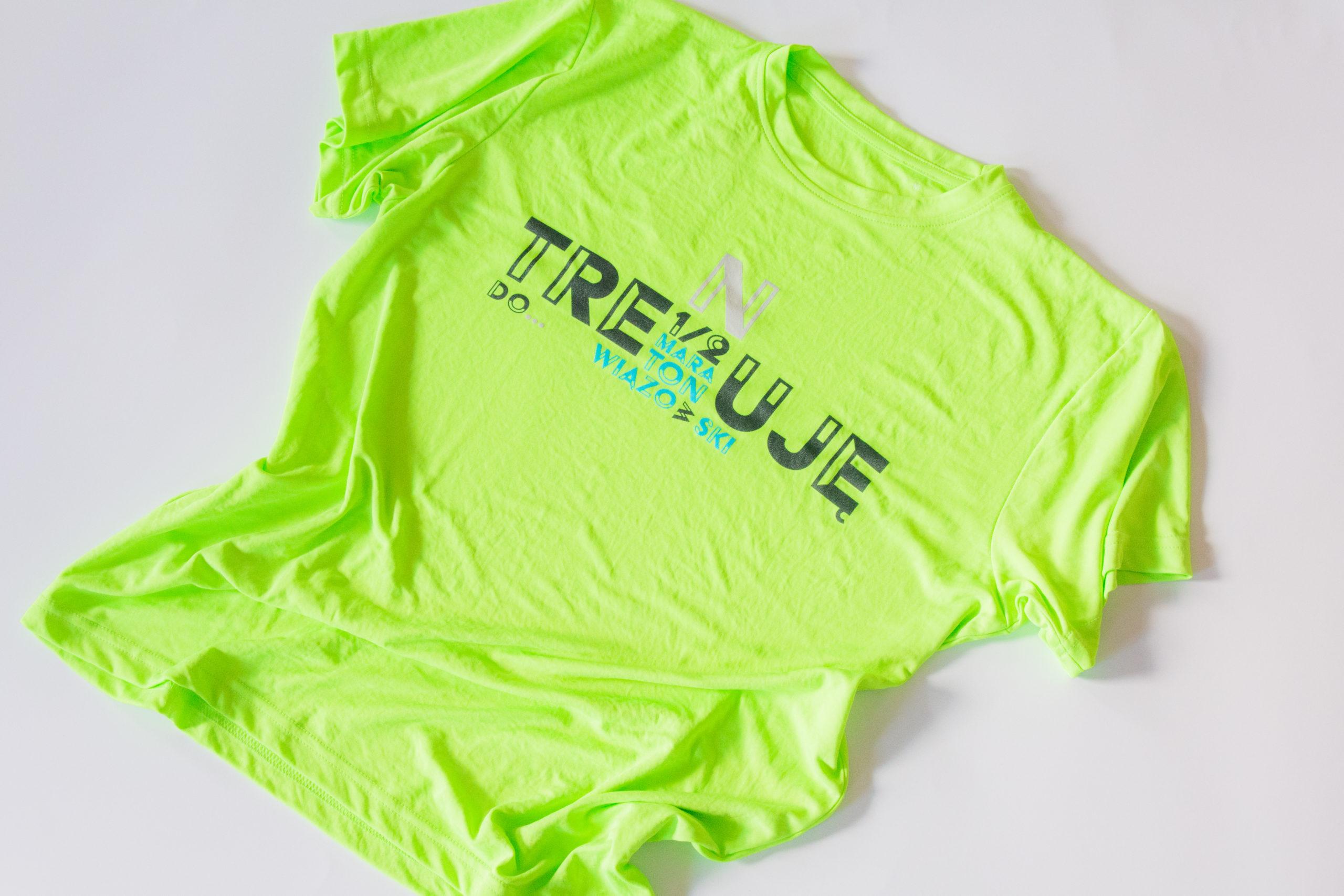 Jasnozielona koszulka z napisem Trenuj do Półmaratonu