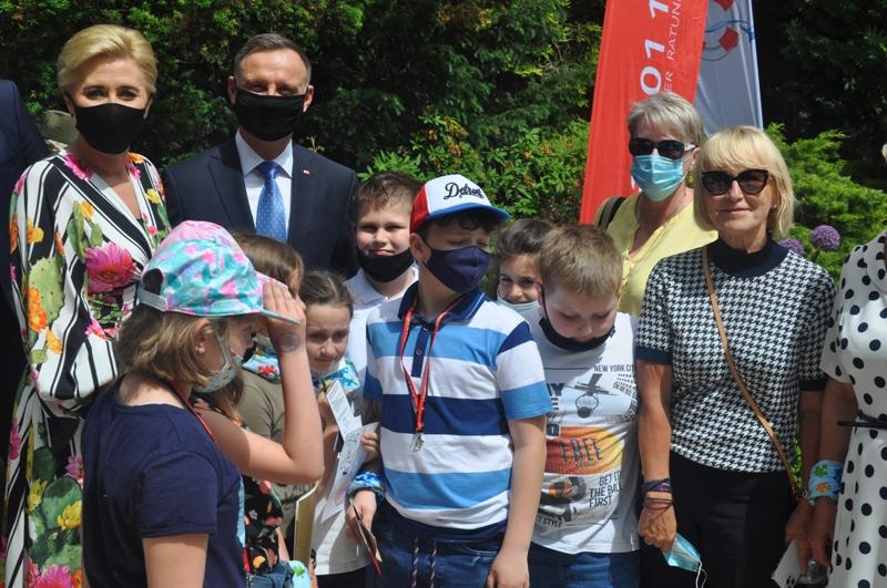 Uczniowie ze Szkoły Podstawowej w Zakręcie spotkali się z parą prezydencką