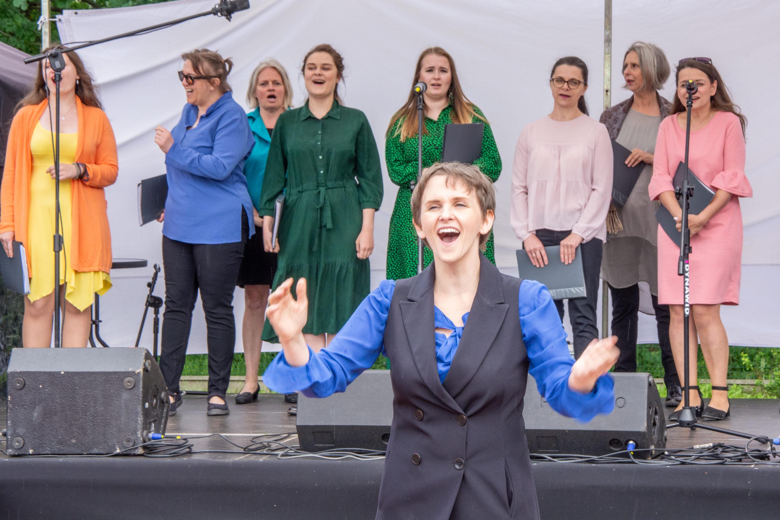 """Zlot foodtruck'ów, występ Marco Bocchino oraz koncert """"Hands up!"""", dmuchańce i muzyczne szaleństwo dla dzieci – to tylko kilka z wielu atrakcji WiązLove, które odbyły się 12 i 13 czerwca w Gminnym Parku Centrum w Wiązownie"""
