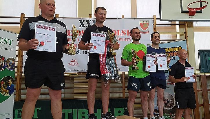 Trener i nauczyciel Szkoły Podstawowej w Zakręcie Kamil Sitek ponownie zdobył tytuł Mistrza Polski