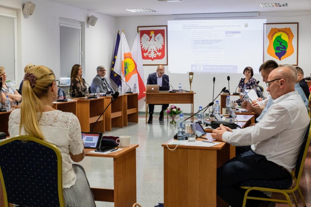 Rada Gminy Wiązowna zapoznała się ze sprawozdaniem z wykonania budżetu oraz Raportem o stanie Gminy Wiązowna za 2020 rok