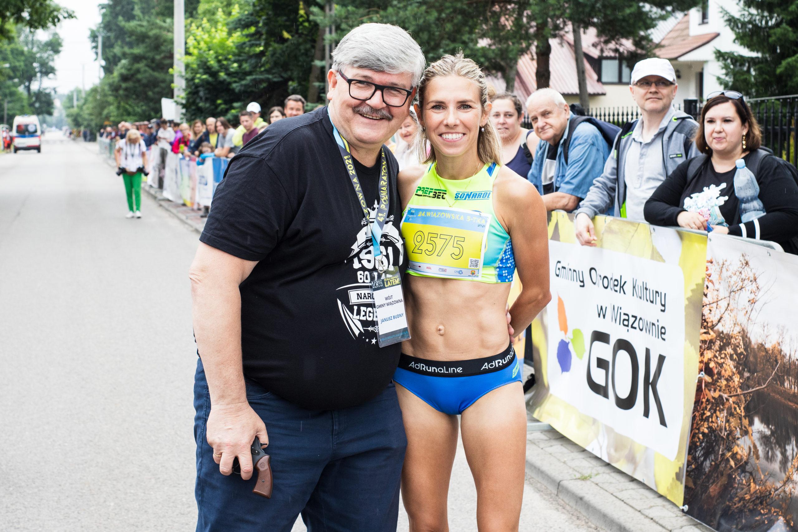 Wójt Janusz Budny z olimpijką Iwoną Bernardelli