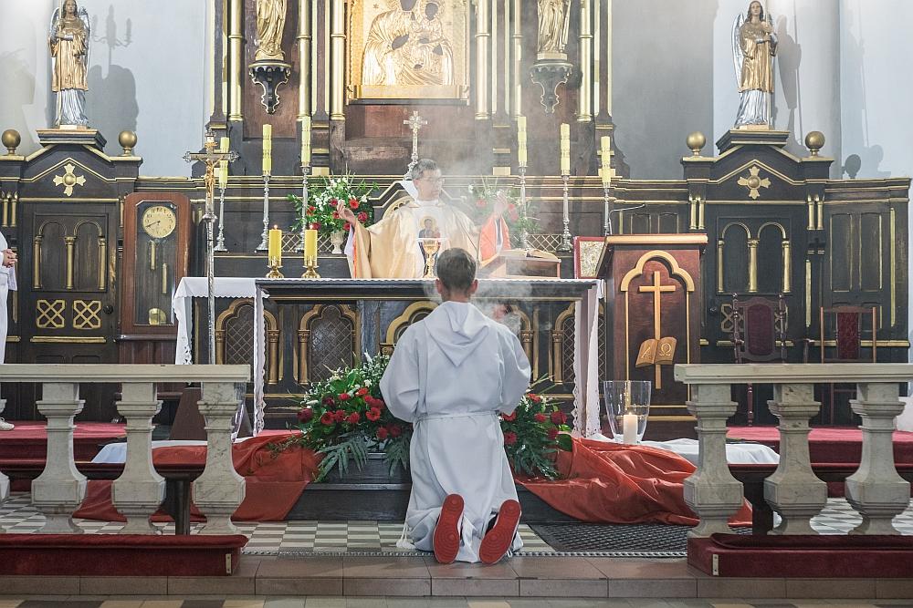 Dzień Wojska Polskiego w Gminie Wiązowna. Uroczysta msza św. za Ojczyznę