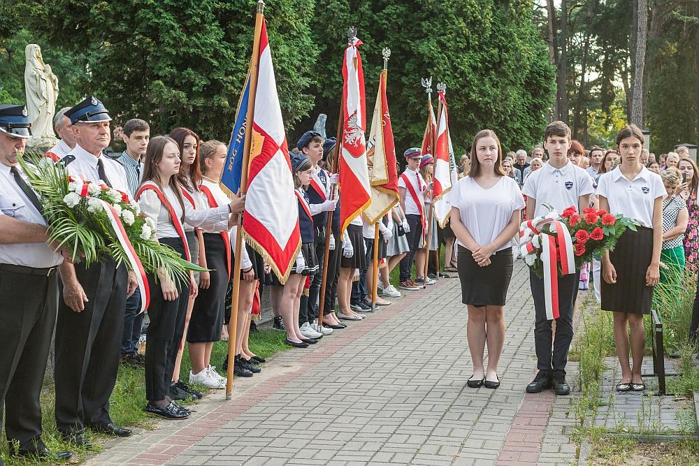 Dzień Wojska Polskiego w Gminie Wiązowna. Poczty sztandarowe
