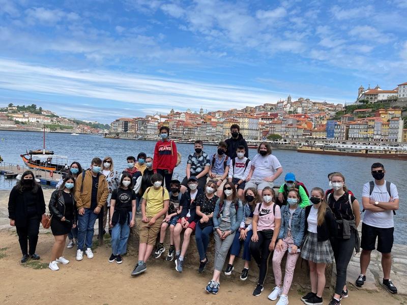 Uczniowie ze szkoły w Zakręcie w trakcie obu wyjazdów brali udział w zajęciach lekcyjnych, warsztatach, wycieczkach edukacyjnych związanych z tematyką projektu.