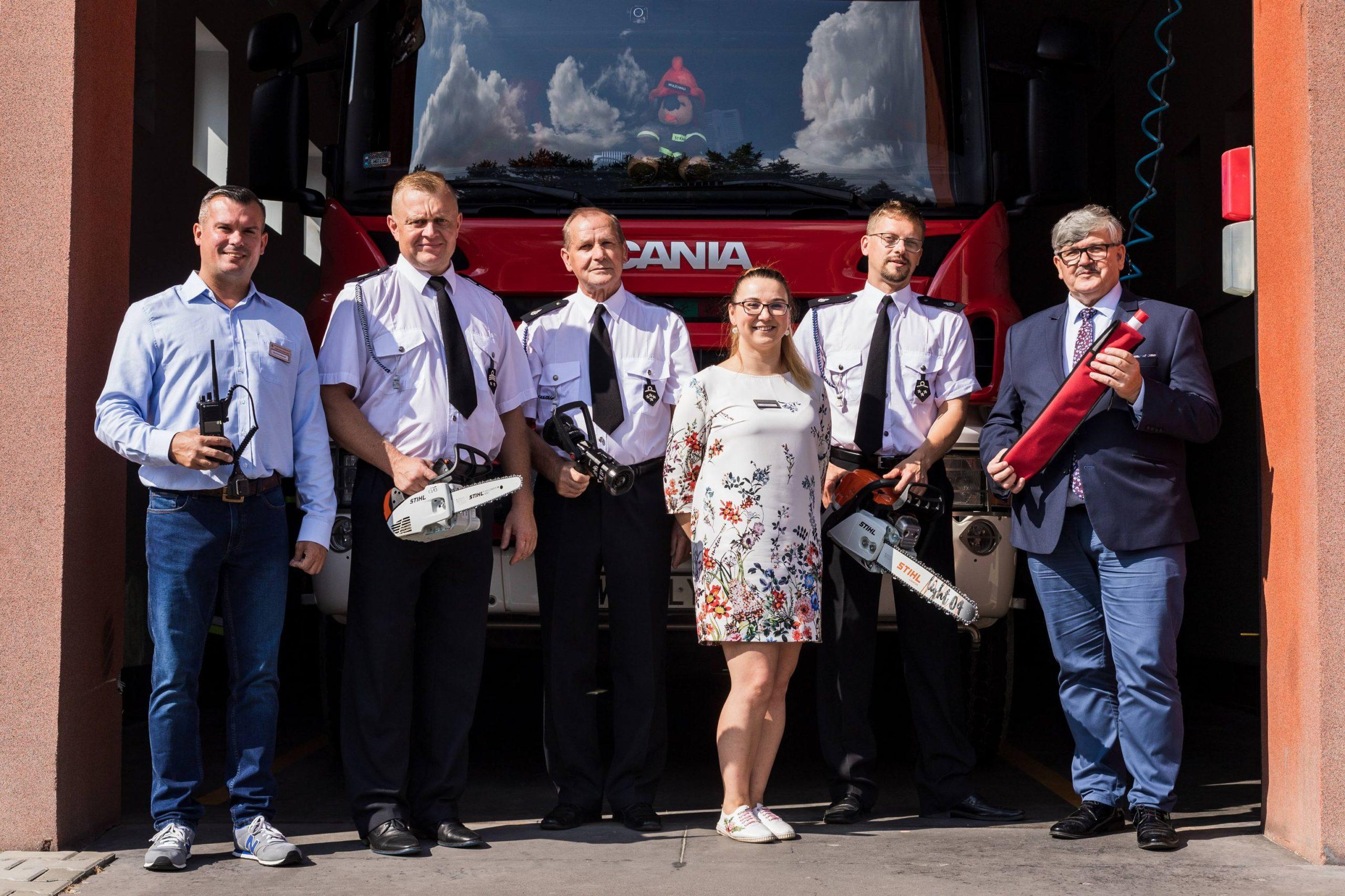 Do naszych strażaków trafił nowy sprzęt zakupiony z dotacji od Samorządu Mazowsza i z pieniędzy z budżetu gminyvvv