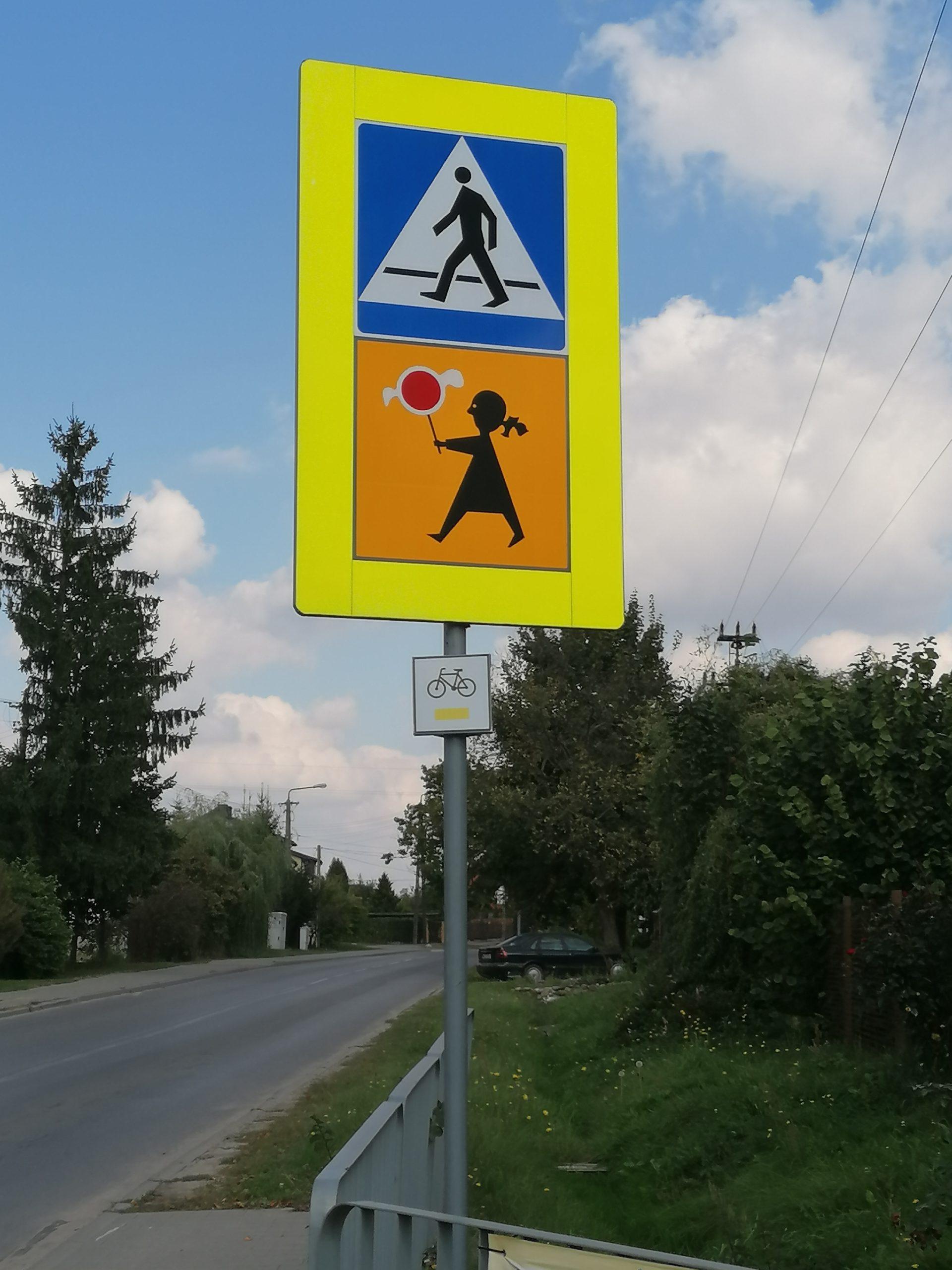 Najnowszy szlak o długości ok 18 km, biegnący przez Gliniankę, Czarnówkę, Rzaktę, Bolesławów, Kruszówiec, Wolę Karczewską i Ducką, został już wytyczony i oznakowany