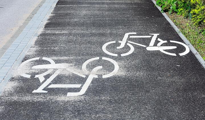 Kolejny odcinek ścieżki rowerowej w Dziechcińcu to kontynuacja prac rozpoczętych 2016 r.